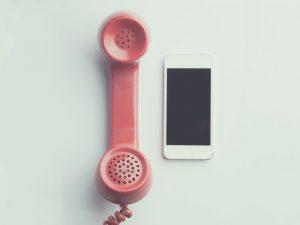 ¿Por qué seguir teniendo teléfono fijo en casa?