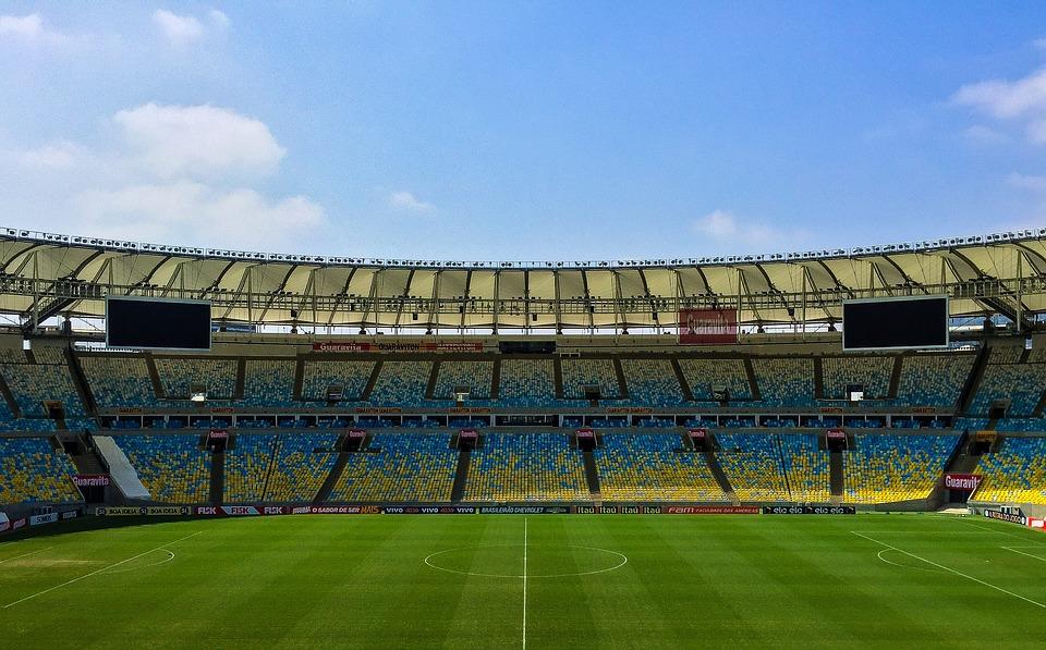 Dónde contratar el fútbol más barato